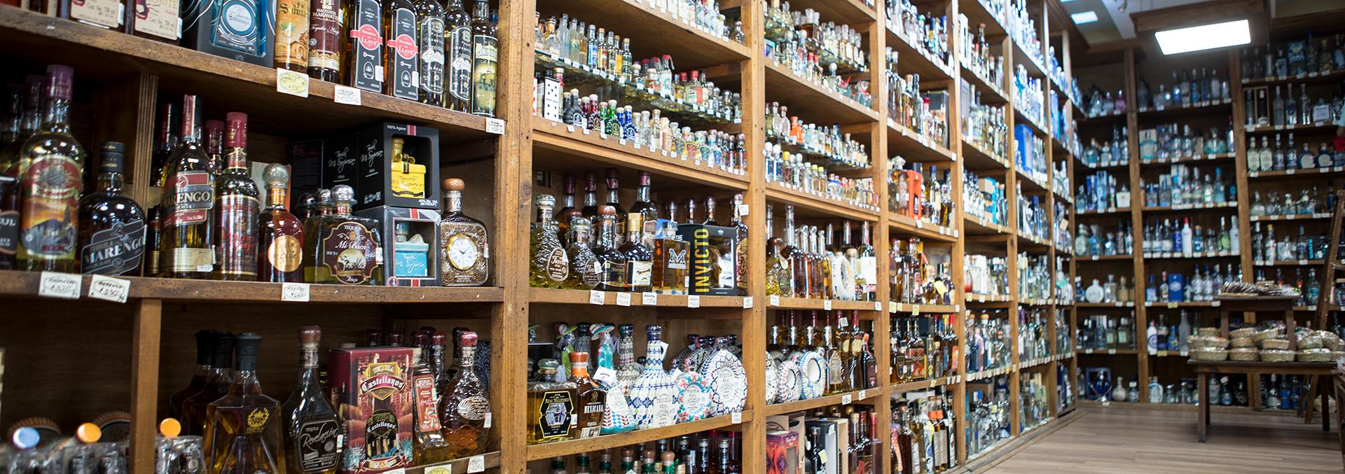 Tienda de tequila Nuestros Dulces en Tlaquepaque, Jalisco